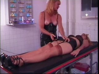 Strict Mature Dominatrix-bitch Porsche Lynn Plays With Her Sex Slave's Pussy