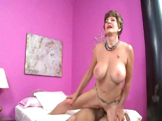 Mature slut in lingerie loves a hot creampie