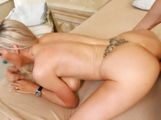 Kinky whore Emma Starr acquires rutted up her flange flaps