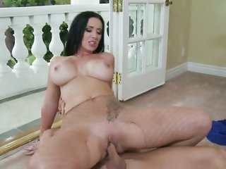 Sassy Jayden James rides this cock up her wet slit