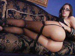 Seductive Kortney Kane is a horny four eyed beauty