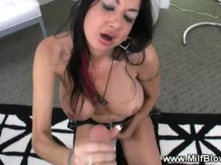 Tattooed mature tramp gives hot blowjob