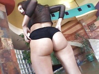 Kelly Divine's bubble butt bounces on a thick prick