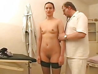 Fiona Sexy Clinic Striptease