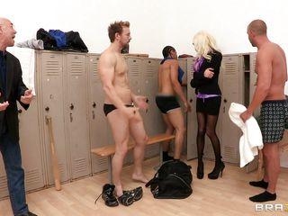 hot blowjob in the locker room!