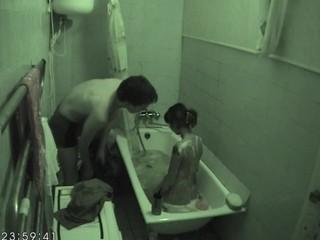 Fucking in a bathtub excited doxy