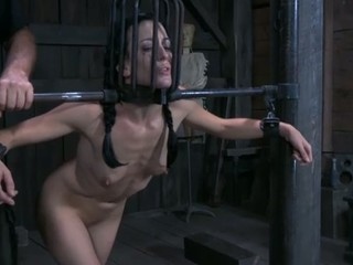 Tough beauty in shackles gets her fur pie pumped