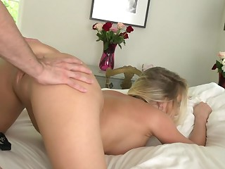 Lady is experienced enough to play the role of a dirty whore