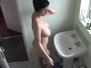 Tattooed busty babe in great free down blouse video
