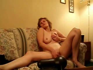 Natural milf on web camera masturbates