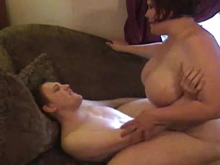 Fat brunette rides boner from her BF